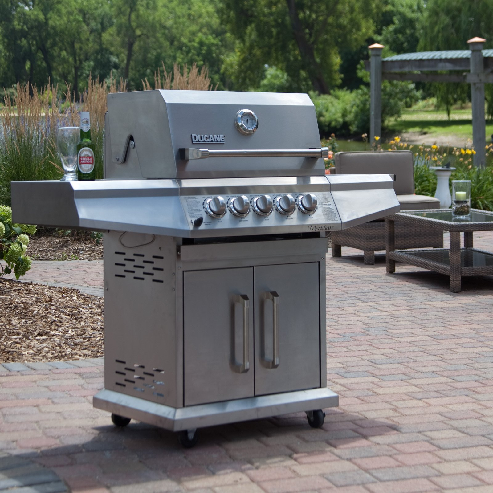 Outdoor Gas Grills ~ Choosing an outdoor grill about grilling